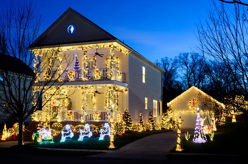 Siding - Building Feature「Holiday Lights」:スマホ壁紙(12)