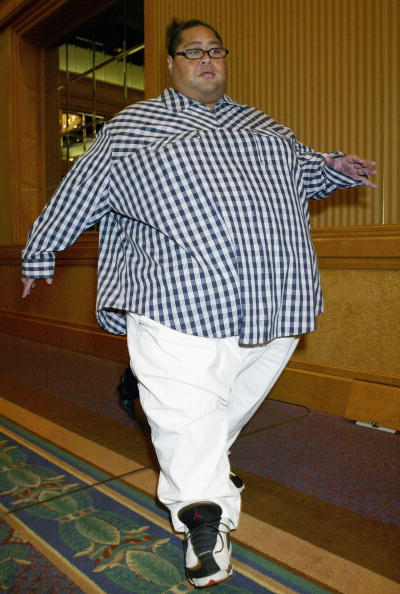 小錦「Former Sumo Wrestler Konishiki Registers His Marriage」:写真・画像(5)[壁紙.com]