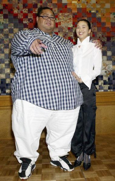 小錦「Former Sumo Wrestler Konishiki Registers His Marriage」:写真・画像(11)[壁紙.com]