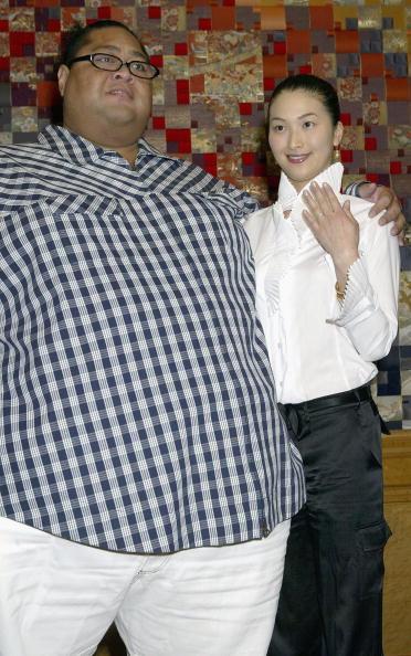小錦「Former Sumo Wrestler Konishiki Registers His Marriage」:写真・画像(12)[壁紙.com]