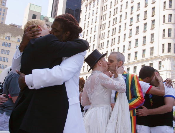 Celebration「Same Sex Couples Exchange Vows At Prideweek Wedding Party」:写真・画像(10)[壁紙.com]