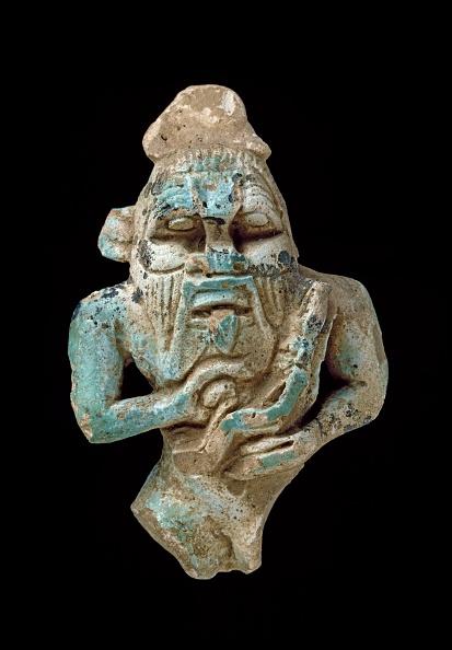 Pendant「Faience Amulet Of Bes Nursing A Horus」:写真・画像(3)[壁紙.com]