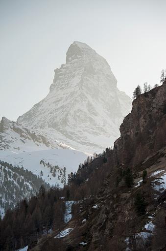 Pennine Alps「Tall snow covered peak of the matterhorn」:スマホ壁紙(4)