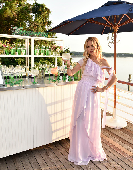 Purple Dress「Rachel Zoe Collection Summer Dinner At Moby's East Hampton With FIJI Water, Tanqueray, And AUrate」:写真・画像(7)[壁紙.com]
