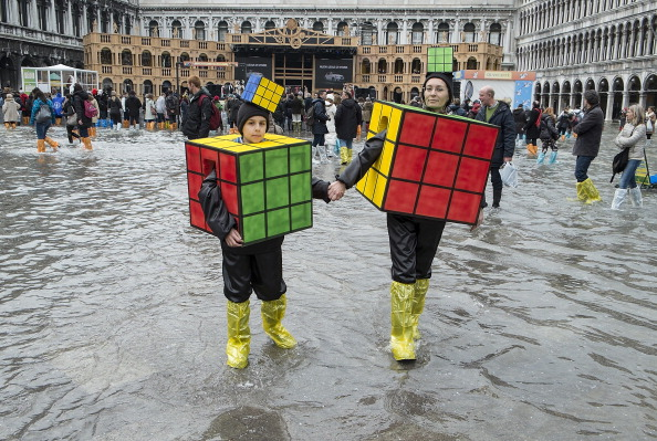 ヒューマンインタレスト「High Water In Venice For The Last Day Of The Carnival」:写真・画像(7)[壁紙.com]