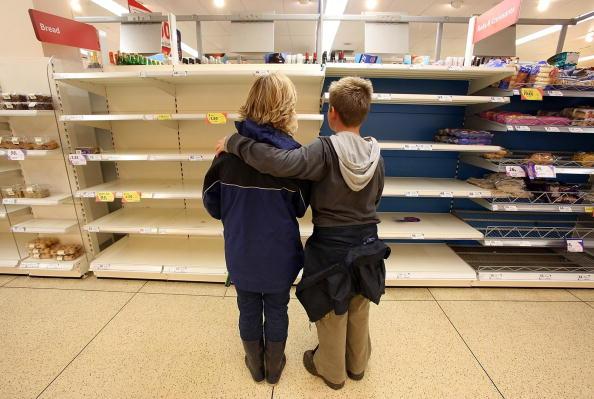 Shelf「Flooding Across The Country Reaches A Critical Level」:写真・画像(6)[壁紙.com]