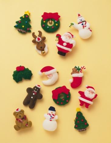 雪だるま「Various Christmas ornaments, high angle view」:スマホ壁紙(0)