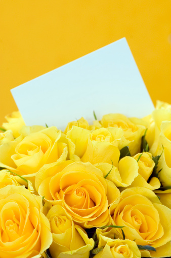 Birthday Card「Yellow Roses Invitation」:スマホ壁紙(12)