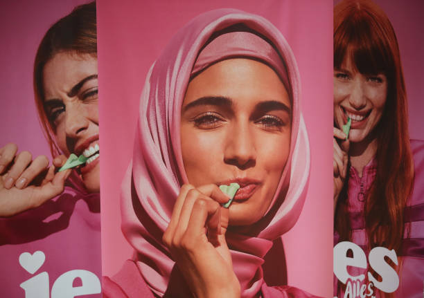 Katjes Advertisement With Muslim Woman Provokes Controversy Among Islam Skeptics:ニュース(壁紙.com)