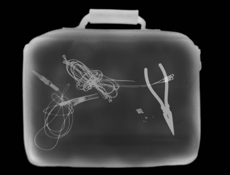 Explosive「X-ray image showing briefcase containing suspect device」:スマホ壁紙(15)