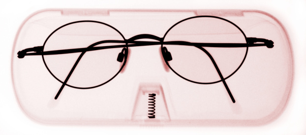 Eyeglasses Case「x-ray image of spectacles in a case (infrared)」:スマホ壁紙(14)