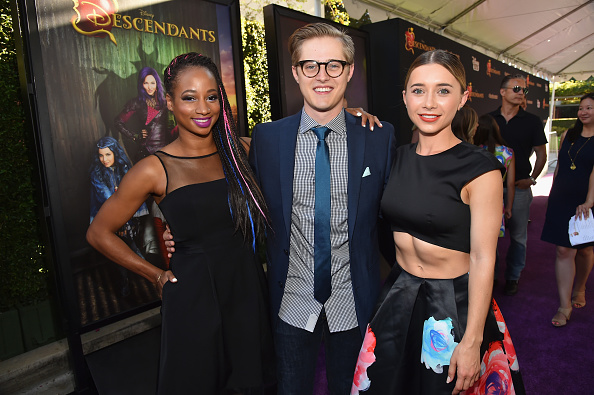 ルーカス グラビール「Premiere Of Disney's 'Descendants' - Red Carpet」:写真・画像(19)[壁紙.com]