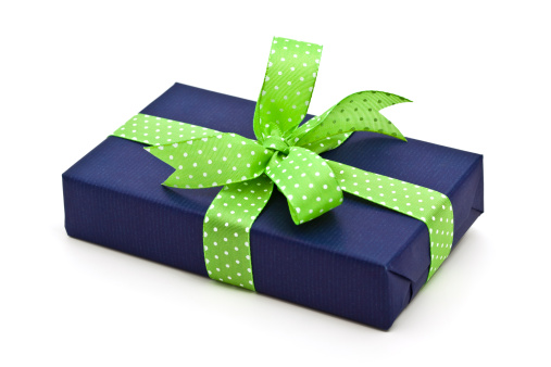 Gift「blue gift box with green bow」:スマホ壁紙(10)