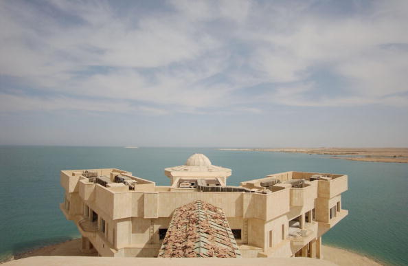 Palace「Saddam's Private Resort City For Regime Loyalists And VIP's 」:写真・画像(0)[壁紙.com]