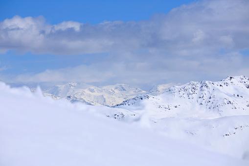 ウィンタースポーツ「Winter panorama  Mountain snowy  landscape Ski resort  Livigno Italian Alps」:スマホ壁紙(19)