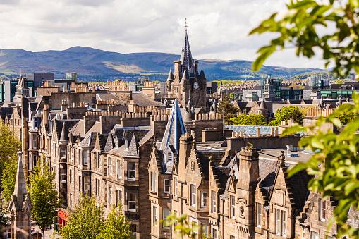 Steeple「UK, Scotland, Edinburgh, old town, typical houses in Forrest Road」:スマホ壁紙(10)