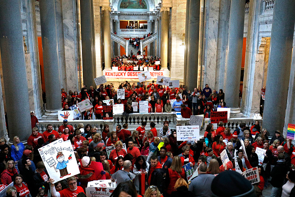 Instructor「Kentucky Teachers Protest At State Capitol Against Pension Reform Bill」:写真・画像(16)[壁紙.com]