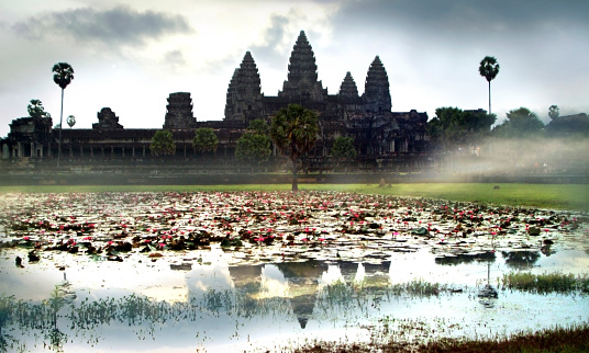 Water Lily「Angkor Wat At Sunrise, Siem Reap, Cambodia」:スマホ壁紙(11)
