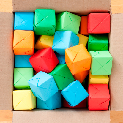 Origami「Boxed multicolored cubes」:スマホ壁紙(10)