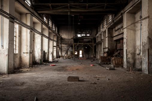 Dark「Old industrial building」:スマホ壁紙(13)