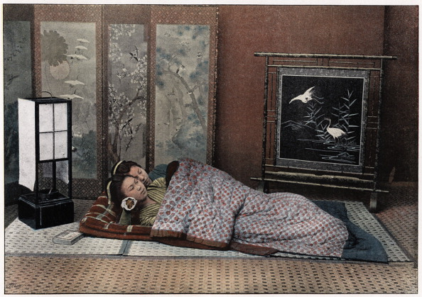 畳「'A Bedroom in Japan', c1890. Artist: Charles Gillot」:写真・画像(13)[壁紙.com]