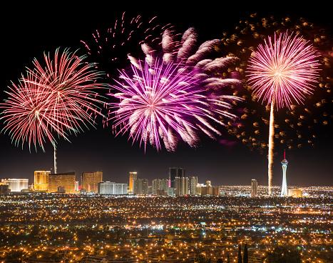 お正月「シリーズの花火ラスベガスでは、国民の祝日」:スマホ壁紙(1)