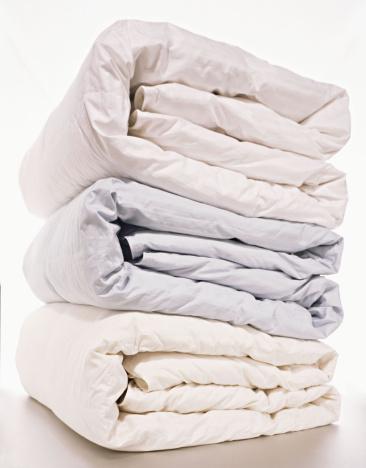 Duvet「Stack of folded comforters」:スマホ壁紙(4)