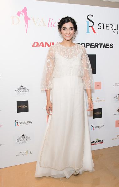 Bollywood「Bollywood Superstar & L'oreal Ambassador Sonam Kapoor Attends Divalicious London」:写真・画像(15)[壁紙.com]