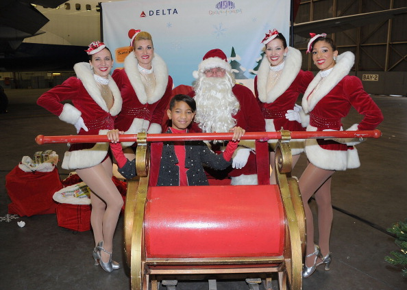 Kennedy Airport「2011 Holiday In The Hangar To Benefit The Garden Of Dreams Foundation」:写真・画像(1)[壁紙.com]