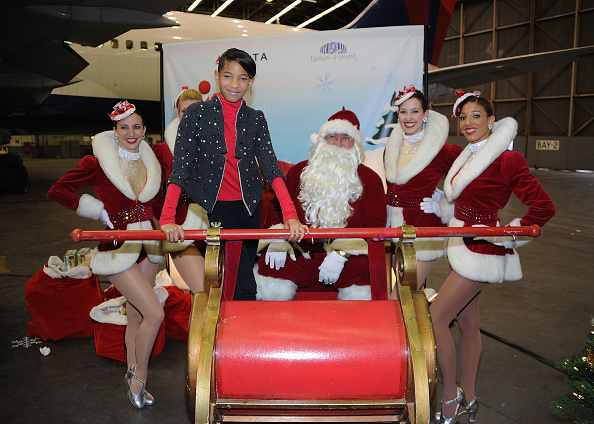 Kennedy Airport「2011 Holiday In The Hangar To Benefit The Garden Of Dreams Foundation」:写真・画像(2)[壁紙.com]
