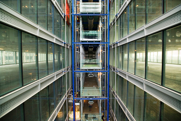 Metal「K2, St Katherine's, London, UK Richard Rogers Partnership」:写真・画像(5)[壁紙.com]