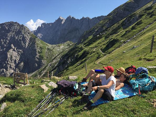 Travel Destinations「Hiking Across The Karwendel Mountain Range」:写真・画像(19)[壁紙.com]