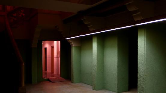 Basement「Basement Corridor with Green and Pink Walls」:スマホ壁紙(19)
