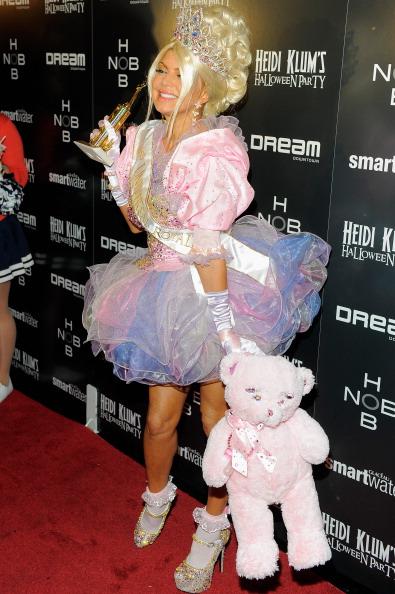 White Glove「Heidi Klum's 12th Annual Halloween Party」:写真・画像(2)[壁紙.com]