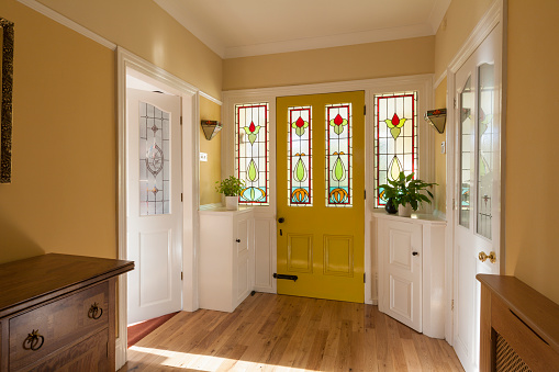 Stained Glass「Front door and hallway of domestic house」:スマホ壁紙(8)