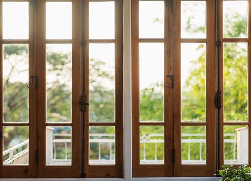 Window Frame「Trees seen through window」:スマホ壁紙(19)