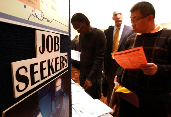 Job Search「Job Expo Held For Contruction, Mortgage, Real Estate Industry Workers」:写真・画像(1)[壁紙.com]