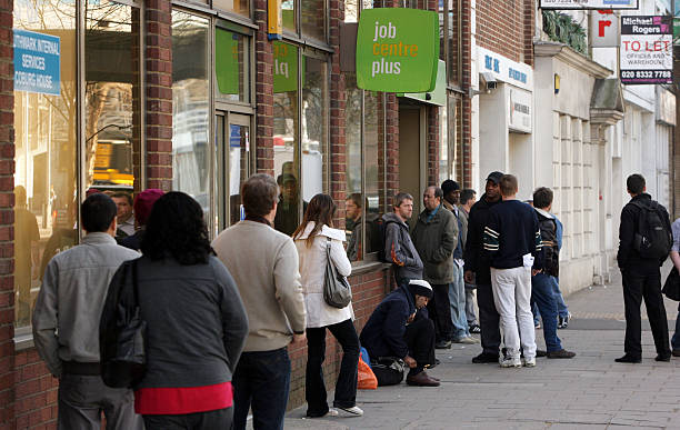 Latest Figures Show UK Unemployment Has Risen Above 2 Million:ニュース(壁紙.com)