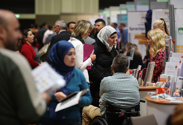Refugee「Berlin Holds Jobs Fair For Refugees And Migrants」:写真・画像(12)[壁紙.com]