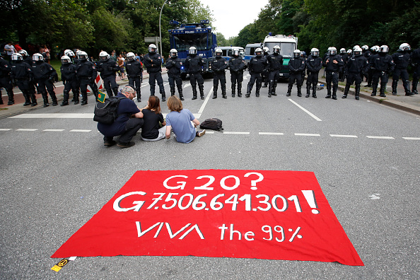 Finance and Economy「Hamburg Day 2 Of G20 Protests And Aftermath」:写真・画像(8)[壁紙.com]
