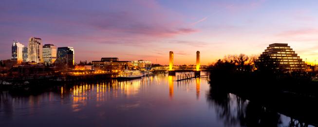 Sacramento「Downtown Sacramento skyline  after sunset」:スマホ壁紙(4)