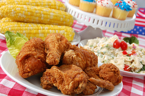 Breaded Chicken「Fourth of July Picnic with chicken, corn and cupcakes」:スマホ壁紙(11)