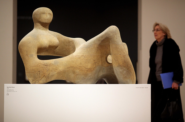 Sculpture「A Major Henry Moore Exhibition Is Launched At Tate Britain」:写真・画像(3)[壁紙.com]