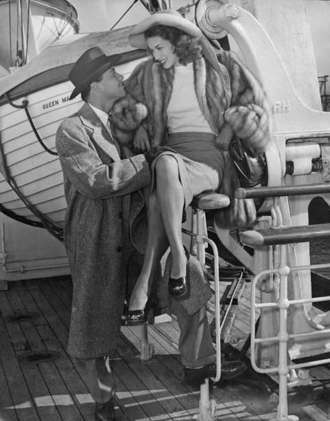 Passenger Craft「Turhan Bey And Linda Christian」:写真・画像(2)[壁紙.com]