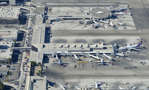LAX Airport「One Killed In Shooting At Los Angeles International Airport」:写真・画像(15)[壁紙.com]