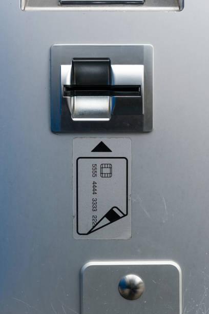 Cash card slot:スマホ壁紙(壁紙.com)