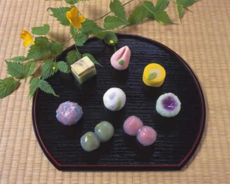 Wagashi「Several types of Japanese sweets on plate, Wagashi, high angle view」:スマホ壁紙(14)