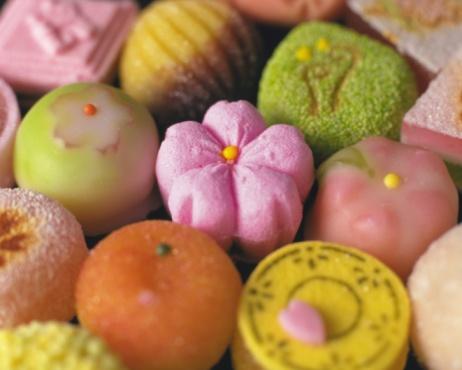 和菓子「Several types of Wagashi, Japanese sweets, high angle view, Differential Focus, Full Frame」:スマホ壁紙(18)