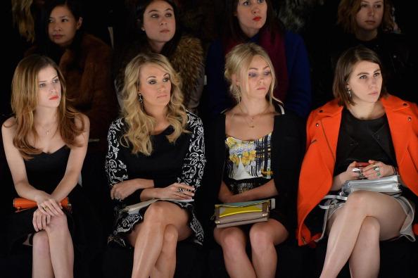 AnnaSophia Robb「Rebecca Minkoff - Front Row - Mercedes-Benz Fashion Week Fall 2014」:写真・画像(3)[壁紙.com]