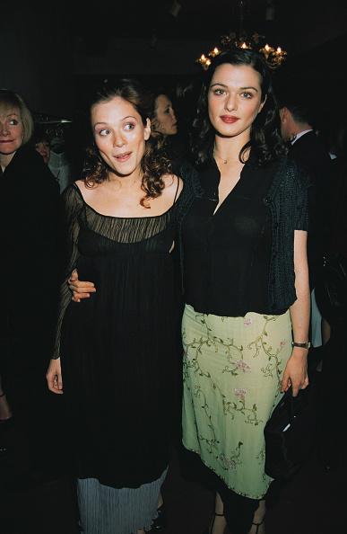 Arm Around「Anna And Rachel」:写真・画像(4)[壁紙.com]